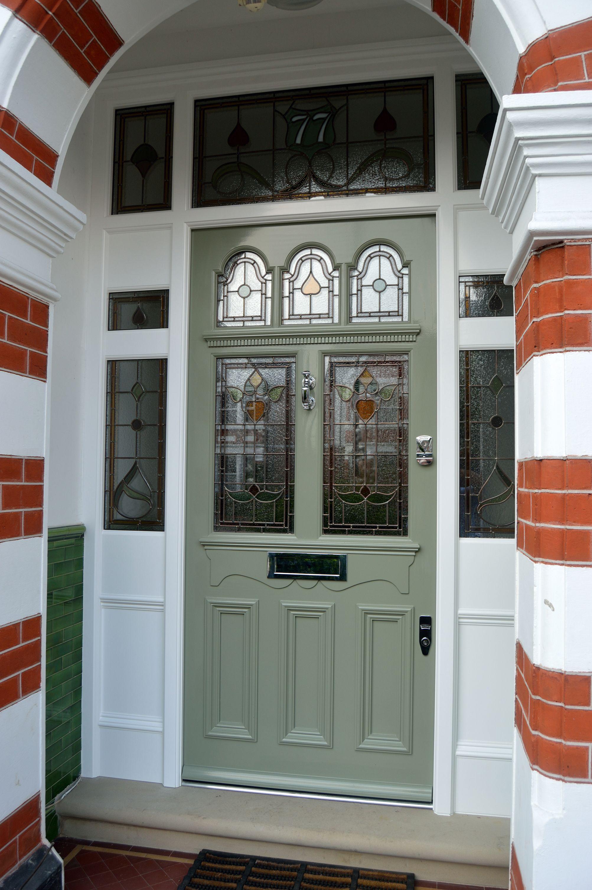 Traditional Front Doors 16 Design Ideas Wooden Front Doors