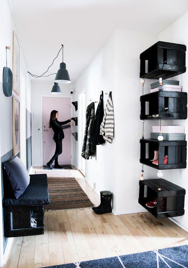 schwarz bemalte weinkisten f r die schuh aufbewahrung diy platz f r schuhe pinterest. Black Bedroom Furniture Sets. Home Design Ideas