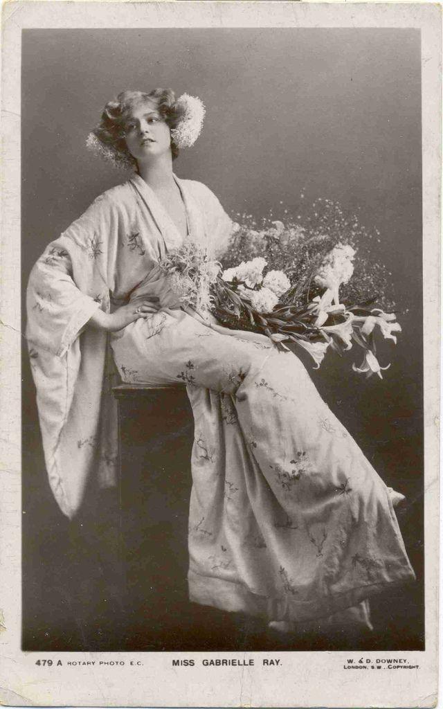 Работа девушек в 19 веке девушка на офисную работу