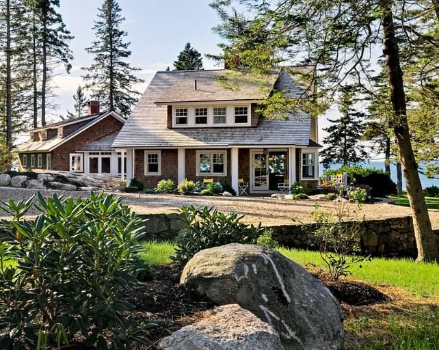 Pin By Johanna Marlowe On Beautiful Homes Lake Houses Exterior Maine Cottage Cottage Exterior