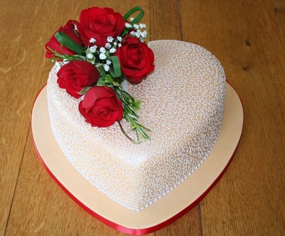 Design Of Cake For Anniversary : Wedding-Anniversary-Cake-7.jpg (564x466) Cake recipes ...