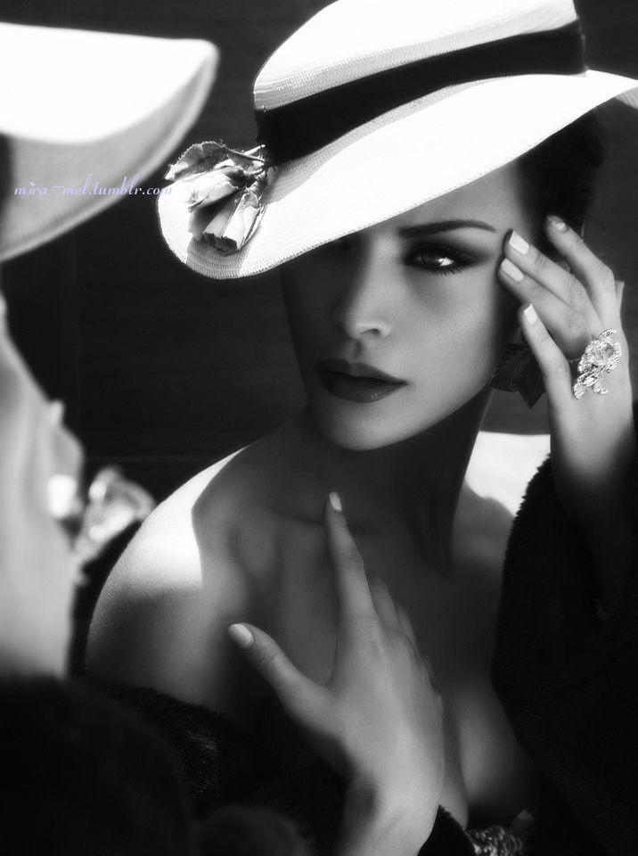 Mode Hüte, Frau Mit Hut Und Modefotografie