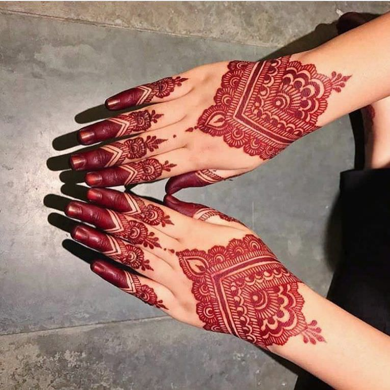 25 Coole Henna Tattoo Designs Fur Frauen Henna Tattoo Designs Henna Hand Designs Und Cool Henna