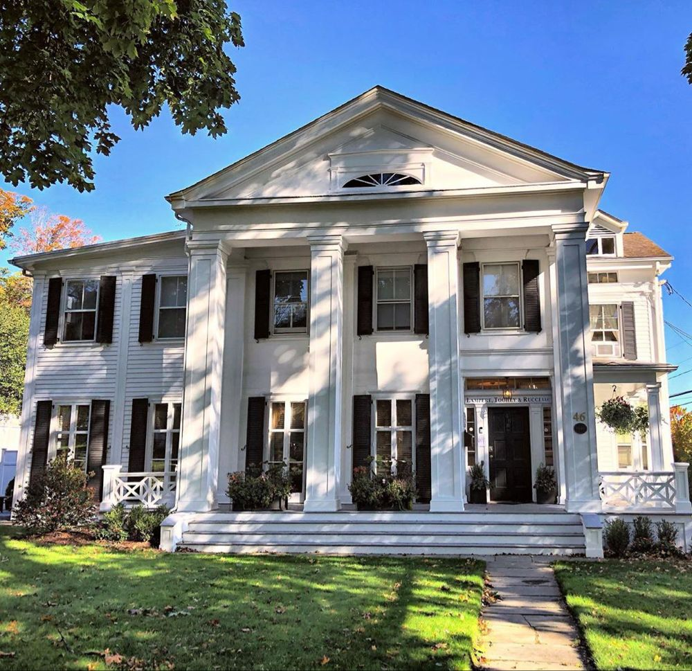 Buildings Of New England On Instagram Is It Just Me Or Are Temple Front Greek Revival Houses Just The Best Comstock House Greek Revival House New England