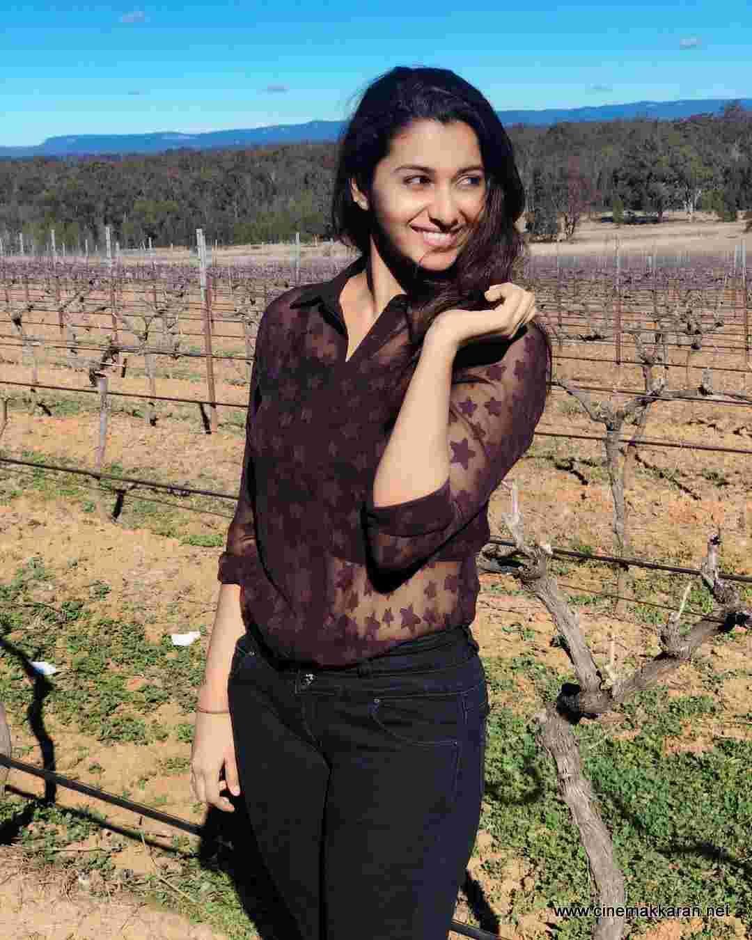 Actress Priya Bhavani Shankar Latest Photo Stills: Actress Priya Bhavani Shankar Latest Salwar T Priya