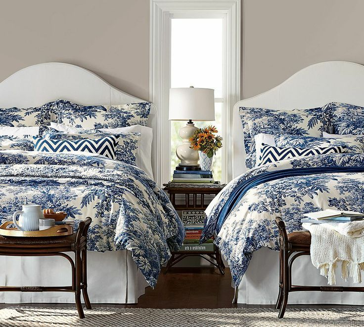 Beautiful blue and white bedroom twinbeds blueandwhite