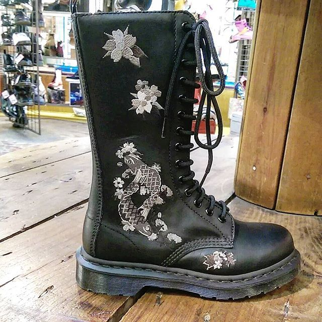 af213435f7e6 DR MARTENS Anissa Womens 14-Eyelet Zip Embroidered Leather Boots - Black