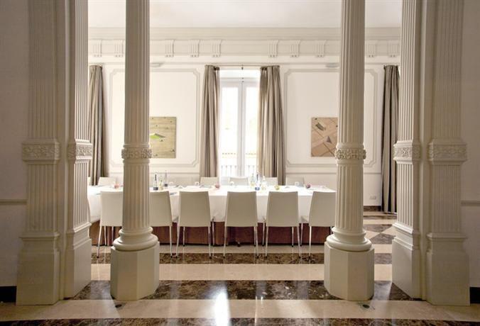 Hotel Deal Checker - NH Palacio de Tepa