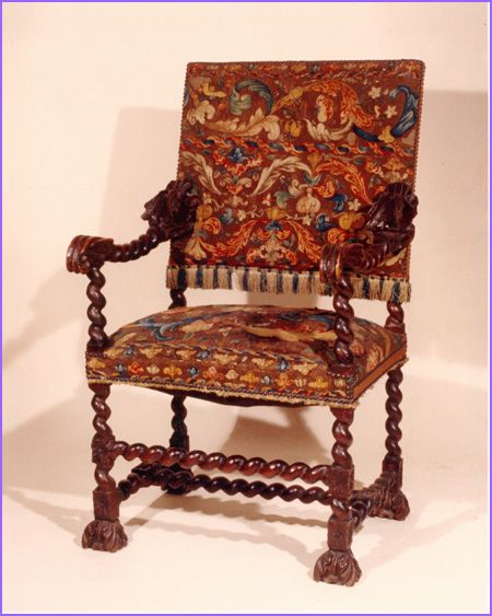 This Baroque Armchair Is An Evolution Of The Renaissance Sedia Chair We See Lambrequin