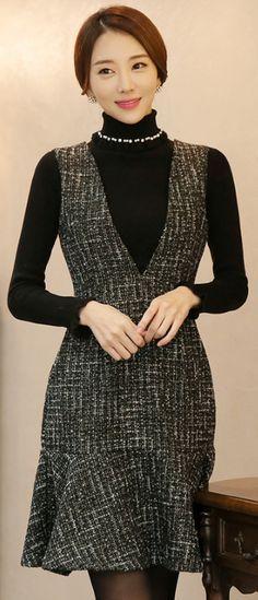 StyleOnme_V-Neck Mermaid Hem Tweed Dress #tweed #dress #falltrend #koreanfashion #elegant #feminine #kfashion #kstyle #girlish #formal #seoul