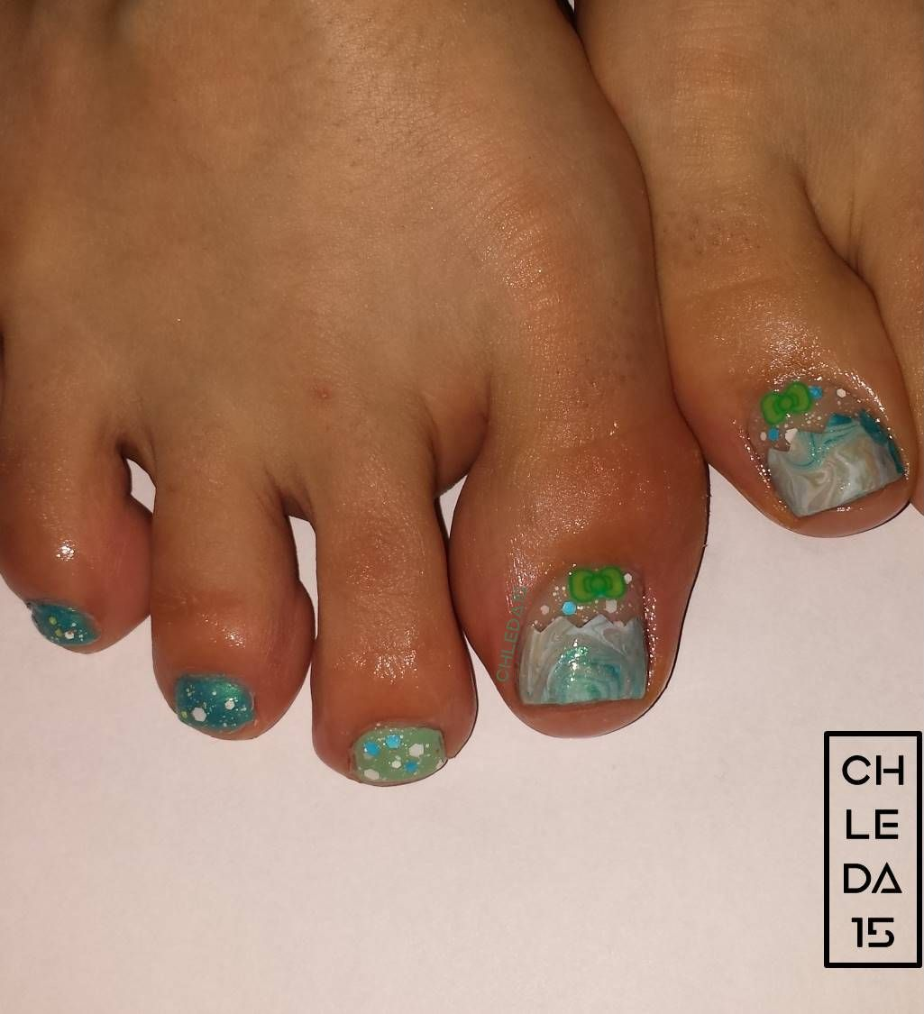 toenail painted mint green