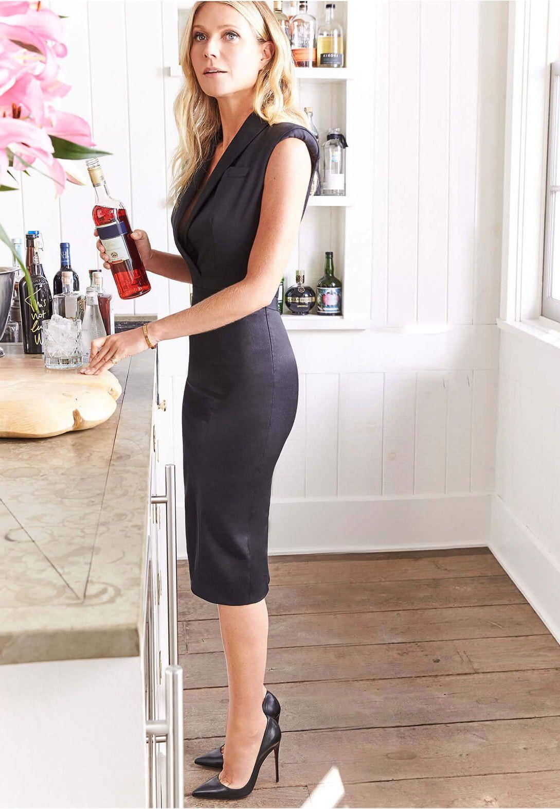 Gwyneth Paltrow Sexy Elegance In A Little Black Dress -6740