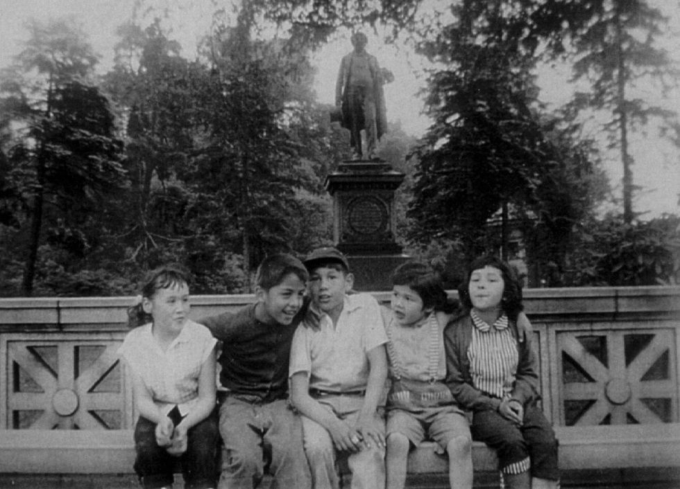 Documentary traces brooklyn 39 s mohawk ironworkers children for Tarbell family foundation