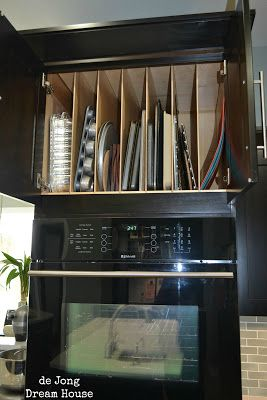 Nice De Jong Dream House: Vertical Slots For Pan Storage