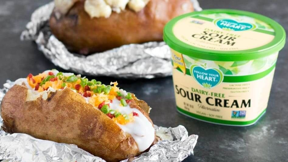 These Dairy Free Sour Cream Dips From Brands Like Good Karma And Follow Your Heart Are The Vegan Dairy Products Yo Vegan Sour Cream Sour Cream Sour Cream Dip