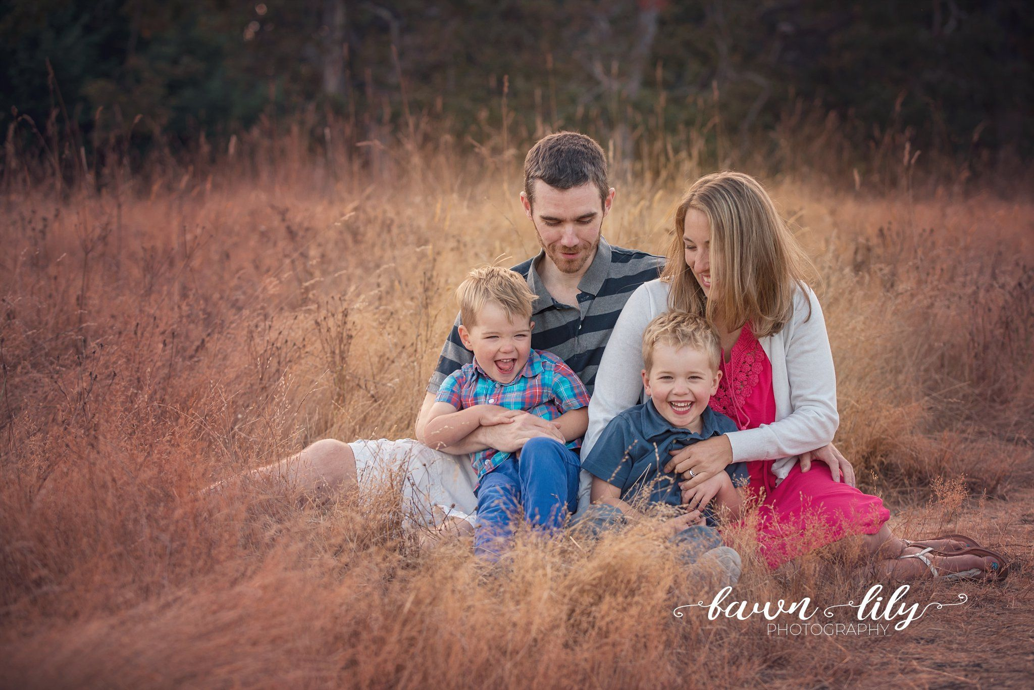 Tips For Beautiful And Natural Family Photos Victoria B C Family Photographer Fawn Lily Photography Lifestyle Photography Family Photography Family Photographer Photographing Kids