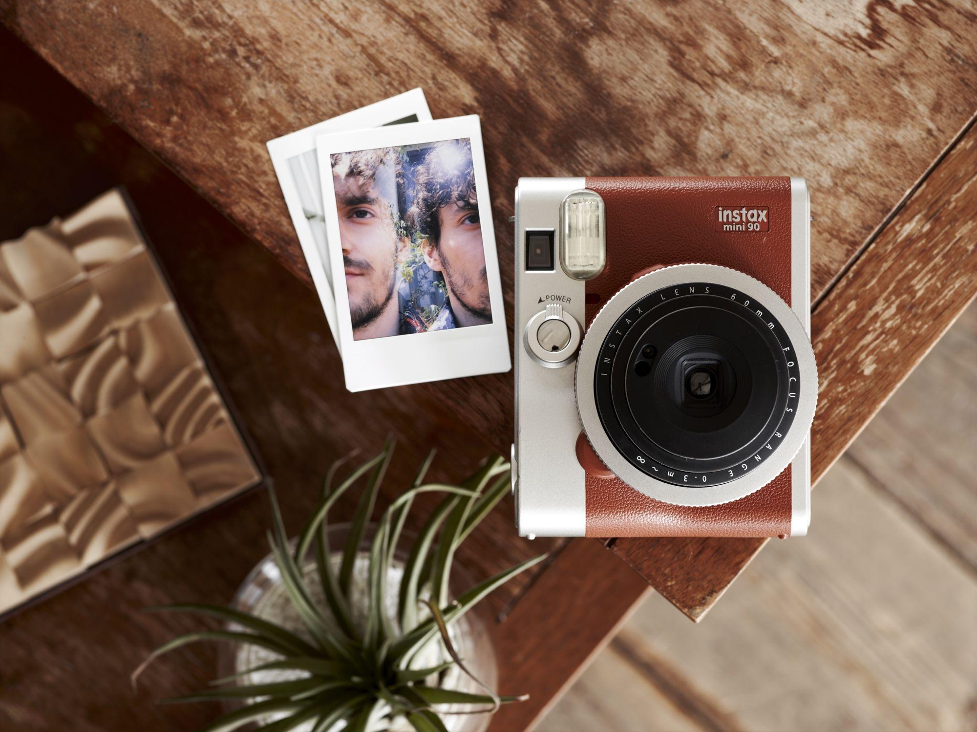 полотно, расширения для фото и картинок часто используют