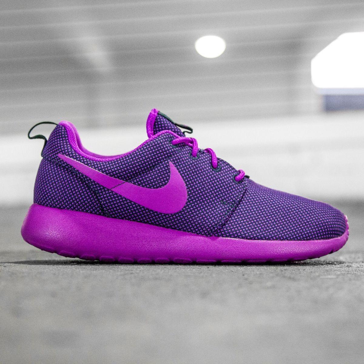 purple roshes nike