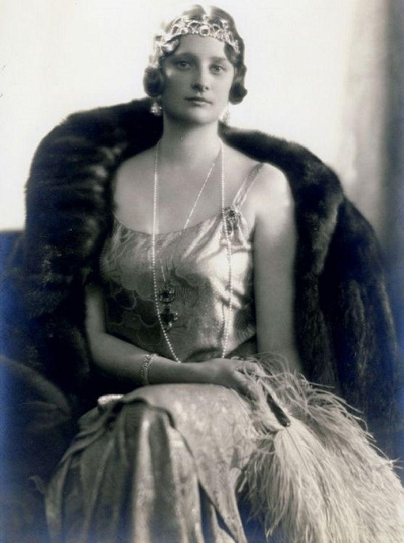 Jennifer Coolidge pics