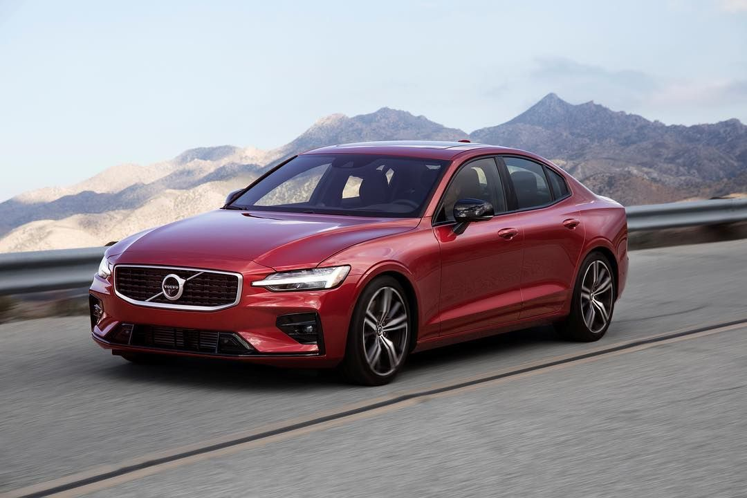 The News60 Represents The Best Of What Volvo Has To Offer Soft Leathers Beautiful Metal Brightwork And Open Pore Wood Line The Volvo S60 Volvo Volvo Xc90