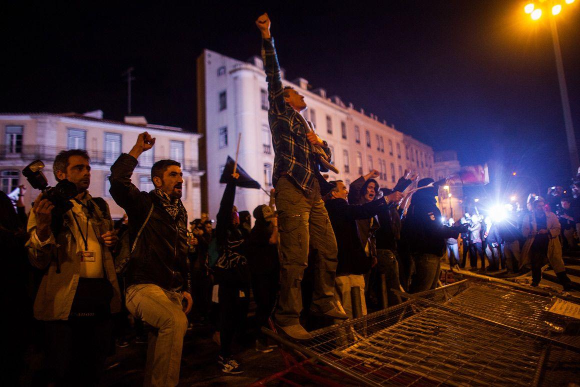 Manifestação em frente à Assembleia da República MIGUEL MANSO