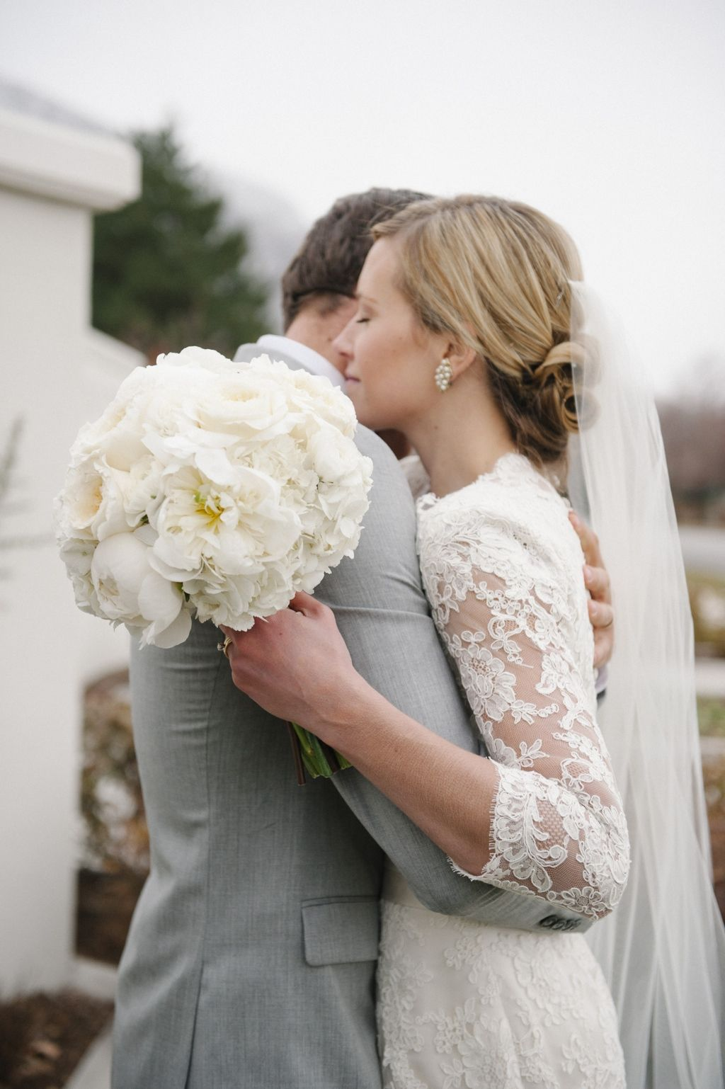 lace and bouquet Wedding, Wedding planner, Wedding dresses