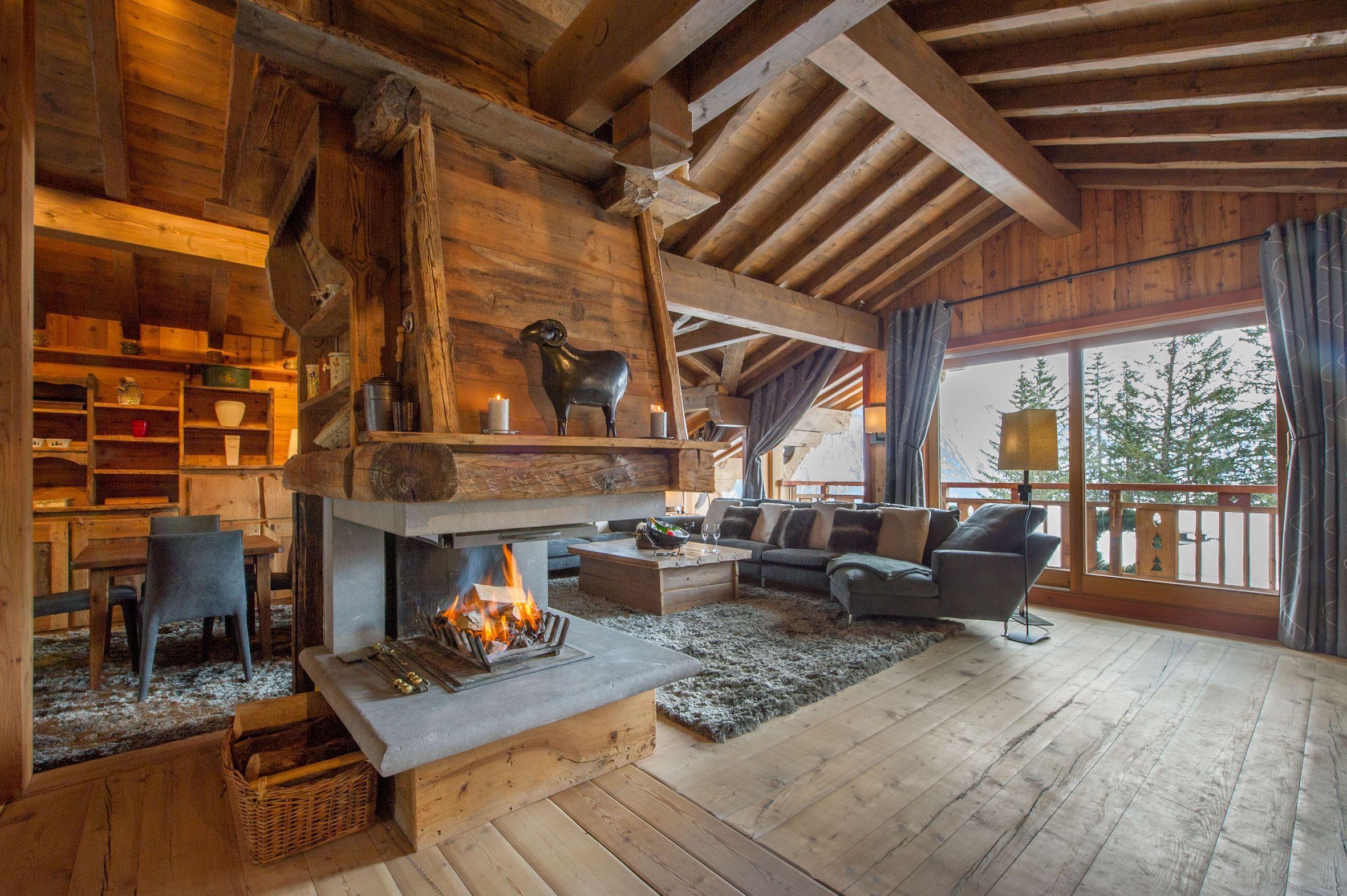 Деревянный дом в стиле шале фото