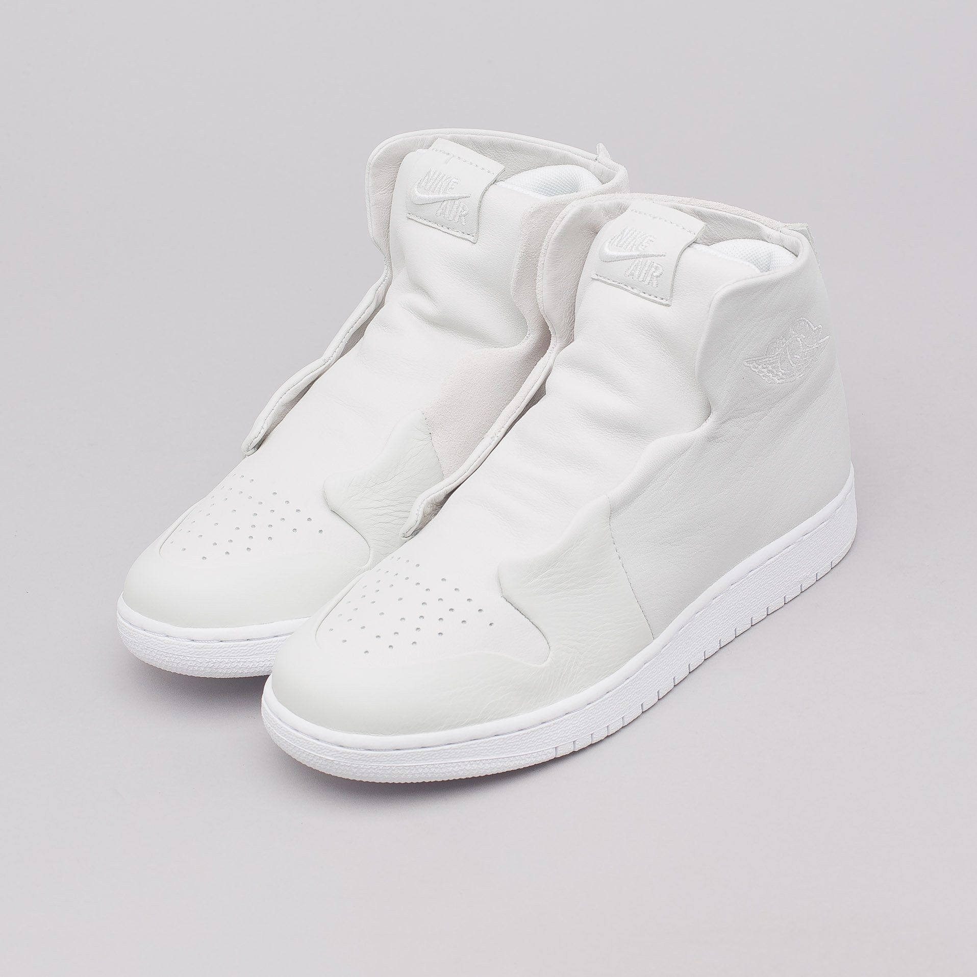 8d4ee5d030e9 Women s AJ1 Sage XX Reimagined in Off White