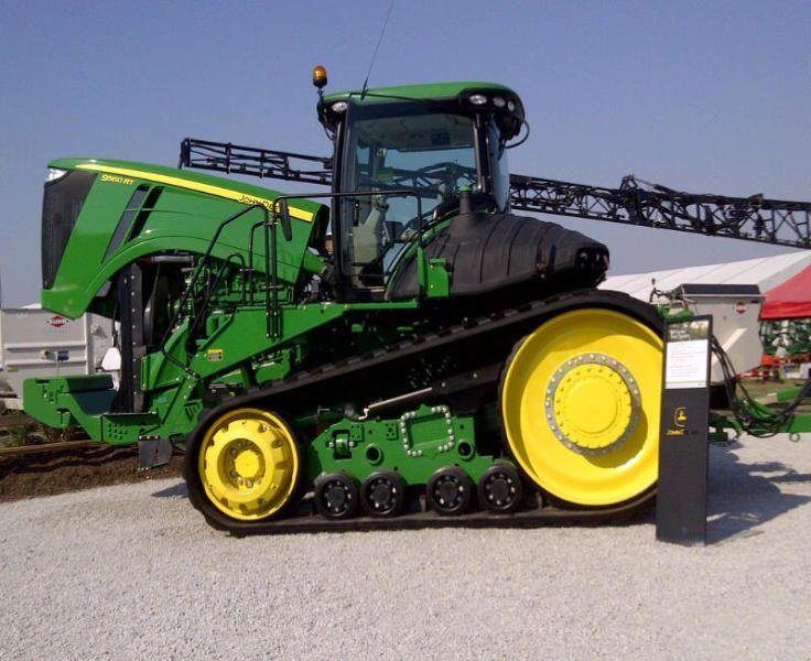 John Deere 9560 RT at Farm Progress Show in Iowa