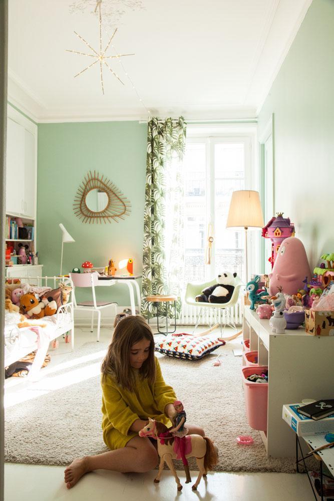 Decryptage La Chambre D Enfant Seventies En 2020 Chambre Enfant Deco Chambre Enfant Et Peinture Chambre Enfant