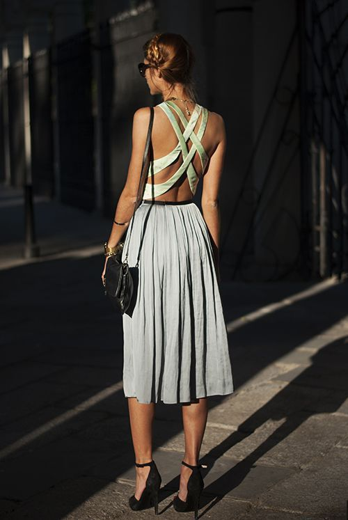 Criss cross back dresses to show off that Summer tan and toned arms.