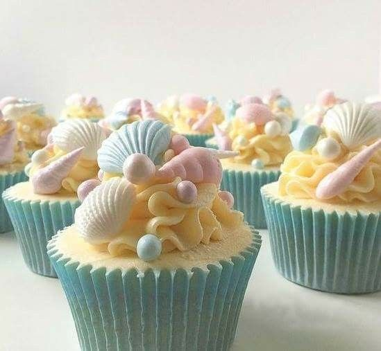 Seashell or Beach theme cupcakes