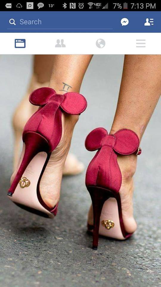 85a10752a Disney Minnie Mouse shoes!!!