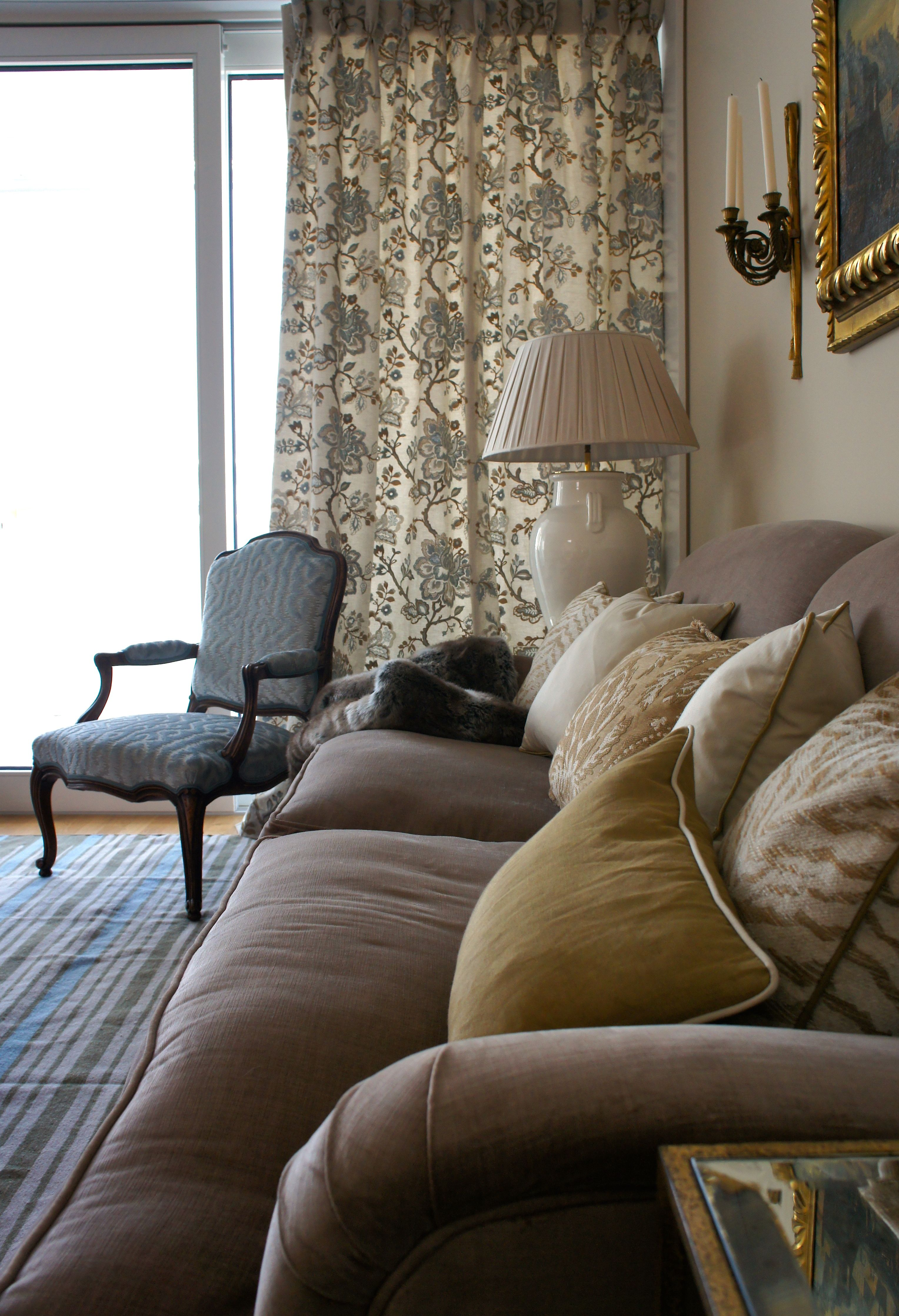 Room of the Day ~ The comfortable English sofas are covered in ...