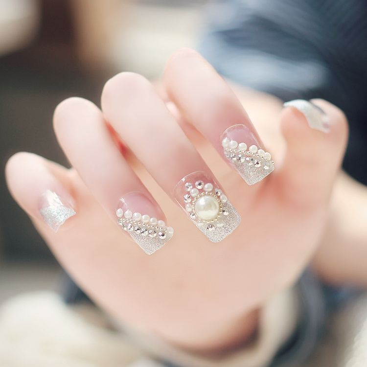 Nail Art Designs With Pearls For a Super Sparkling Nails - Nail Art Designs With Pearls For A Super Sparkling Nails Pearls