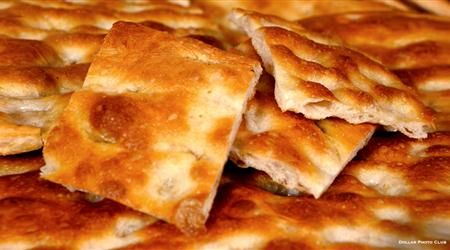 If you like focaccia bread, you can't miss the traditional Ligurian one: soft and crunchy on its base, here are some tips to make the Ligurian focaccia. http://www.finedininglovers.com/stories/italian-focaccia-bread-recipe/ #TraditionalItalianFood #GourmetFood #GourmetTips #CookingTechniques #Italy #Genoa
