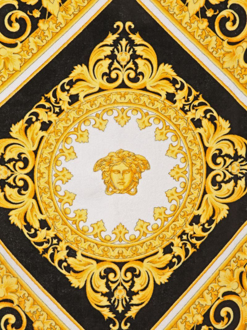 Pin by li li on 7 Versace pattern, Versace wallpaper