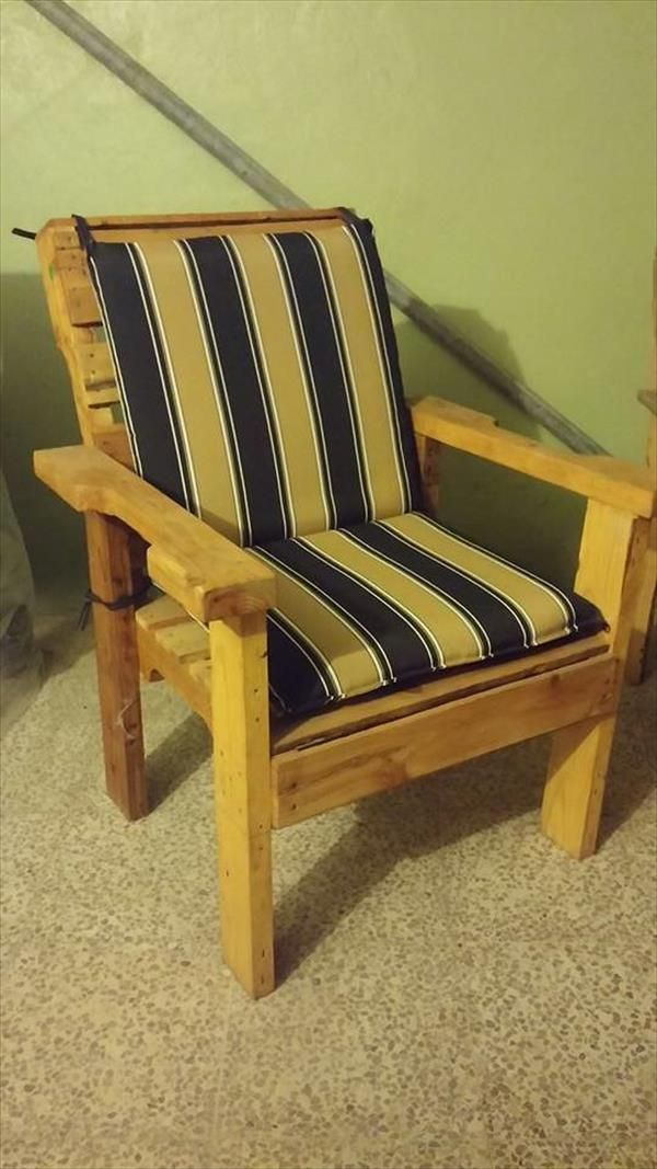 DIY Recycled Wooden Pallet Chair | Pallet chair, Diy ...