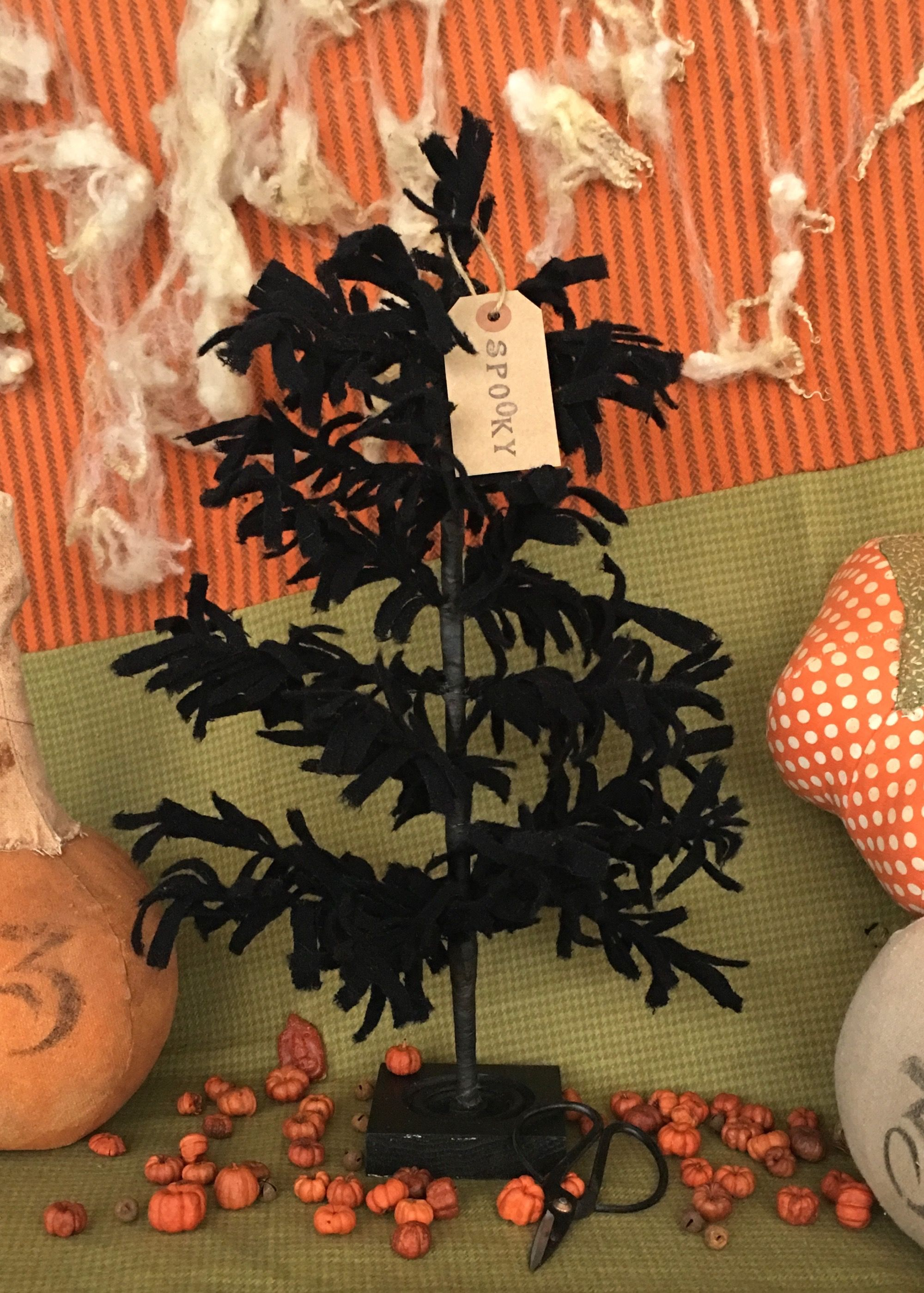 """335 """"O' Wooly Midnight Madness Tree"""" Wool! Primitive"""