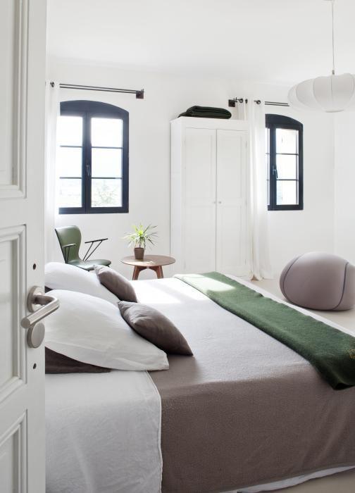 Chambre design opaline deco contemporaine et jacuzzi - Chambre jacuzzi privatif provence ...