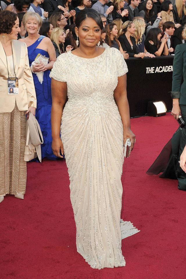 15 Long Elegant Red Carpet Dresses From Oscars Gone By | Red
