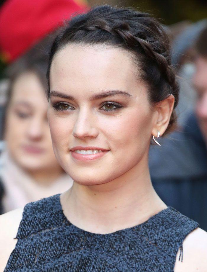 Daisy Ridley in Boss dress
