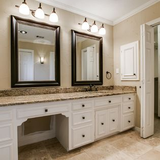 One Sink With Sit Down Vanity Amazing