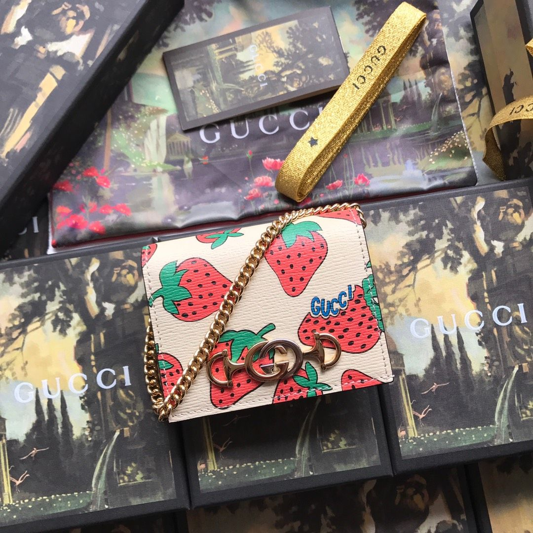 Gucci Zumi Strawberry print card case wallet