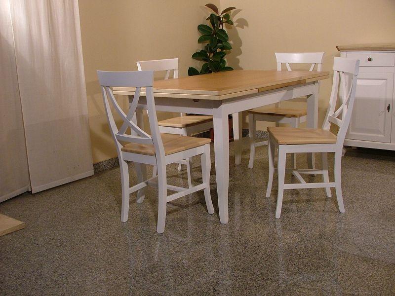Sedie Decoupage ~ Tavolo allungabile in legno con sedie shabby chic bicolore