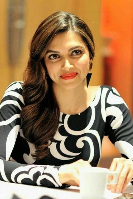Deepika Padukone Bio Age Height Life Story Movie List Career Awards Family Deepika Padukone Deepika Padukone Style Bollywood Actress