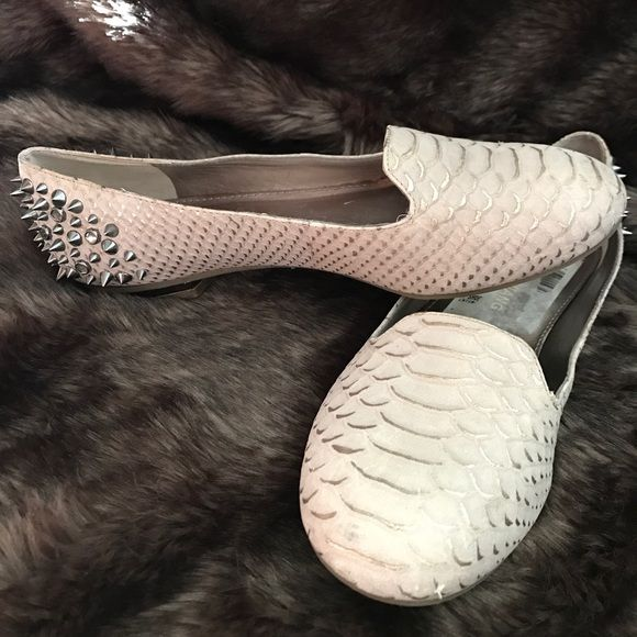 Arturo Chiang Bonni Embossed Leather Studded Flats Dangerously chic•Features a grey leather upper with metallic snakeskin embossing•Rounded toe, studded heel•Barely worn, excellent condition Arturo Chiang Shoes Flats & Loafers
