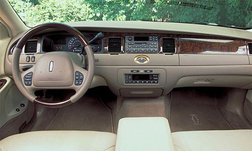Lincoln Town Car 4 6 V8 Lincoln Pinterest Lincoln Cars And
