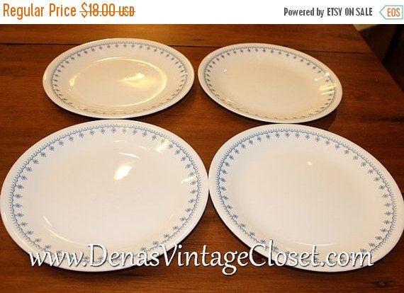 25% OFF SALE Vintage Corelle Snowflake Garland Dinner Plates Lot of 4 & 25% OFF SALE Vintage Corelle Snowflake Garland Dinner Plates Lot of ...