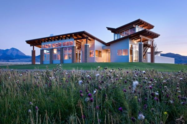 Spectacular Modern Architecture Ranch In A Remote Valley In Idaho Here S Another Rustic Modern House Idea The Mod Shed Roof Design Architecture Roof Design